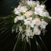 bouquet_semicascante-rose-e-fresie