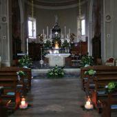 allestimento floreale per matrimonio Chiesa di Merone - Anthurium midoori e rose ocena song