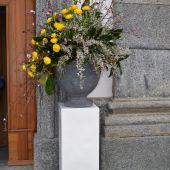 Allestimento floreale per matrimonio - Ranuncoli e Ginestra - Chiesa di Garbagnate Rota