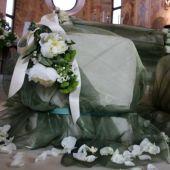 Allestimento floreale per matrimonio - Peonie e santini - La collegiata di Solbiate Arno