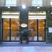 allestimento natalizio vetrine negozio Milano