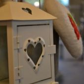 home decor -lanterna di latta con cuore