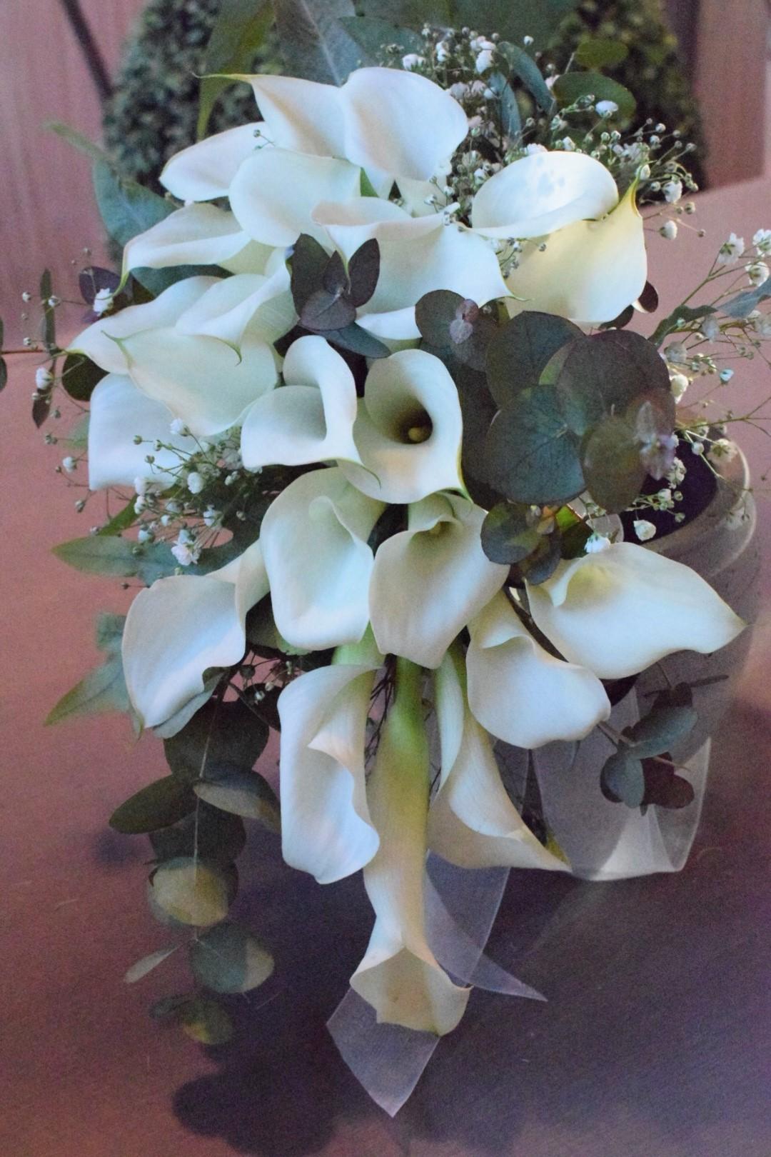 Bouquet Sposa Gelsomino.Bouquets Cascanti Tagliabue Il Verde