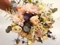bouquet con dalie e astilbe