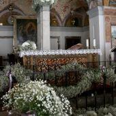 Allestimento di ortensie bianche - Matrimonio Chiesa Madonna delle Fontane - Milano